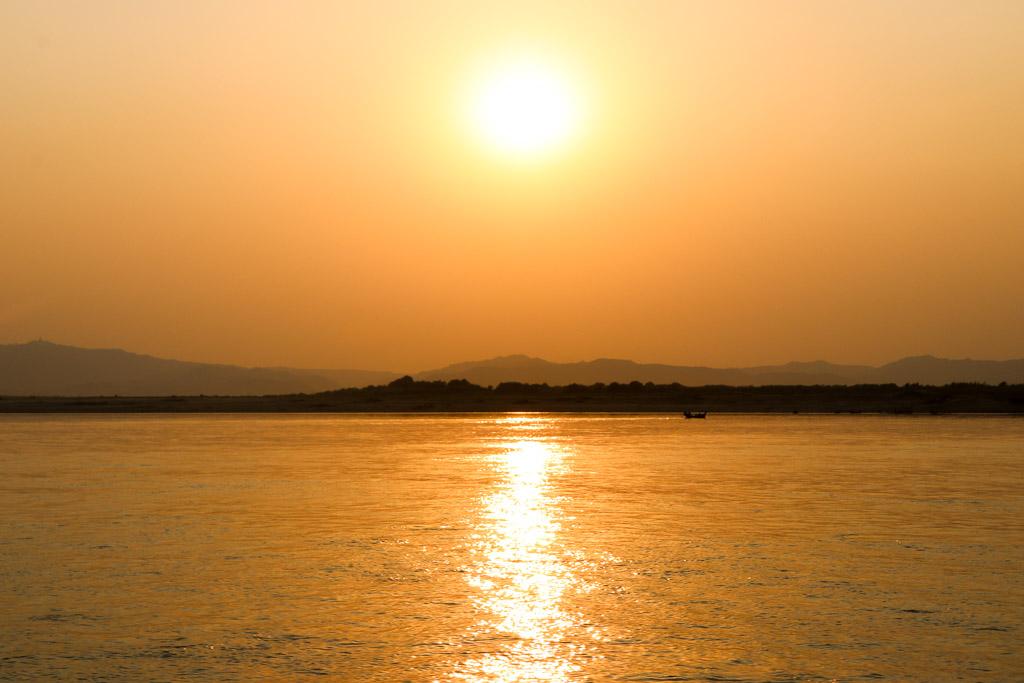 boottocht mandalay naar bagan myanmar