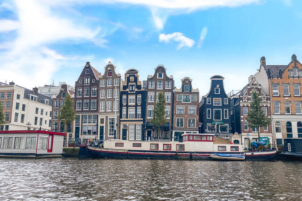 dansende huisjes amsterdam