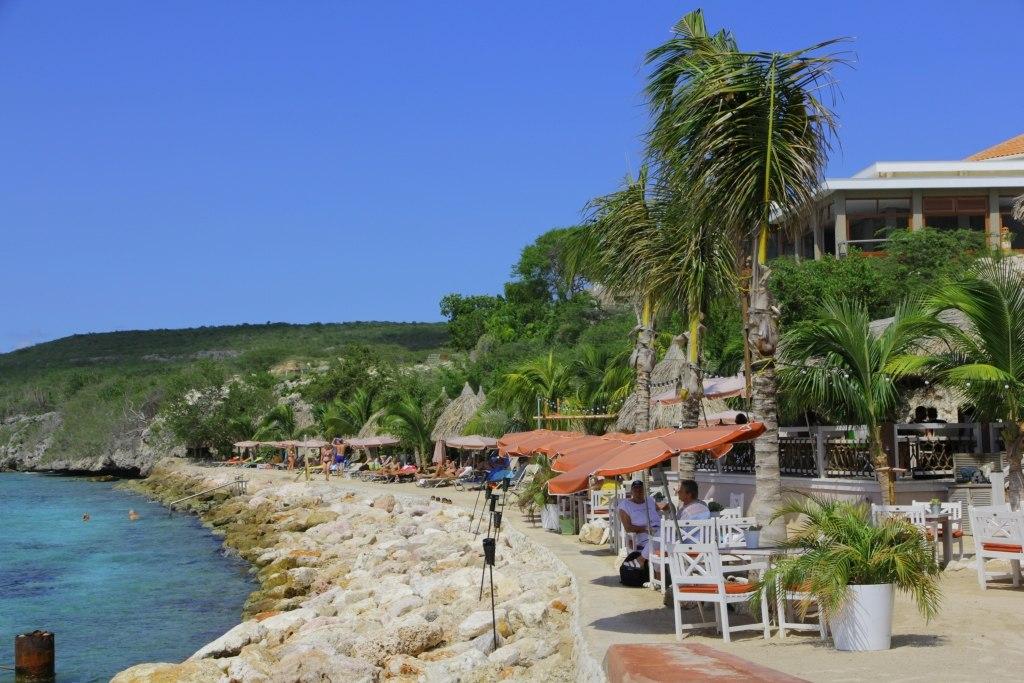 eten op het strand curaçao