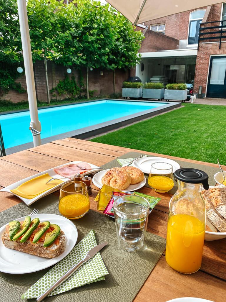 hotel tilburg ontbijt
