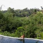 infinity pool rijstvelden bali