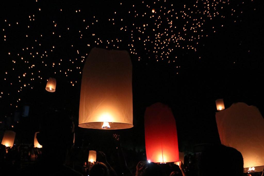 lichtfestival thailand vieren