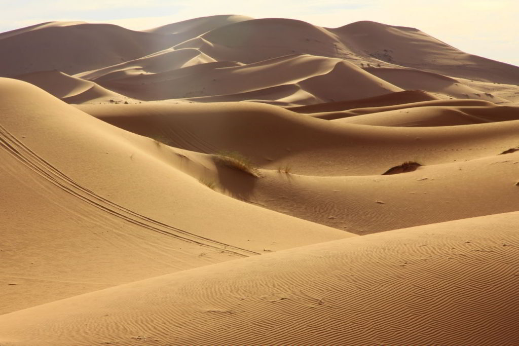 overnachten in de woestijn in marokko erg chebbi