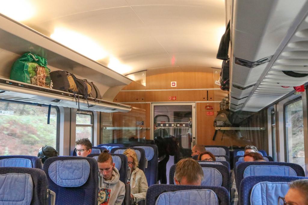 vliegtuif, bus of trein naar berlijn