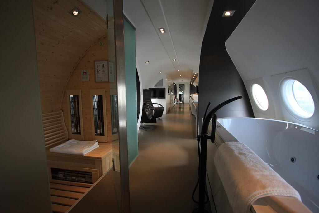 vliegtuig hotel nederland